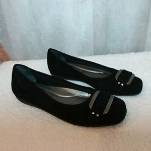 Trotters Black Suede Buckled Loafers 6 1/2 N